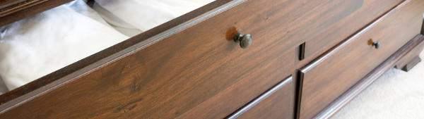 comment teinter un meuble en bois les conseils de mauler. Black Bedroom Furniture Sets. Home Design Ideas