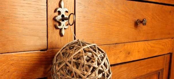 Teinter un meuble en bois