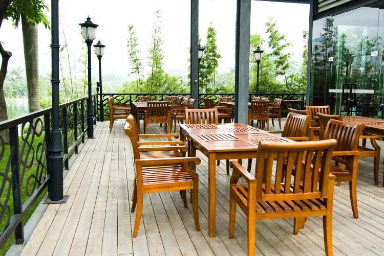 Mobilier et meuble d'extérieur en bois