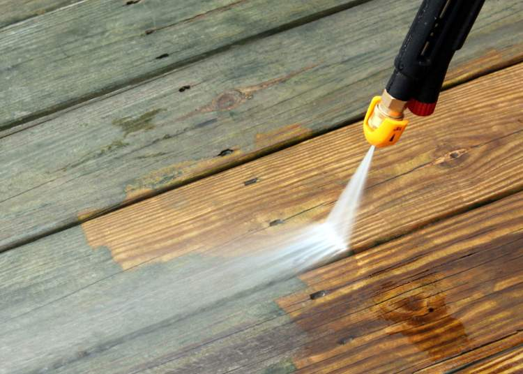 Nettoyant pour bois intérieur et extérieur