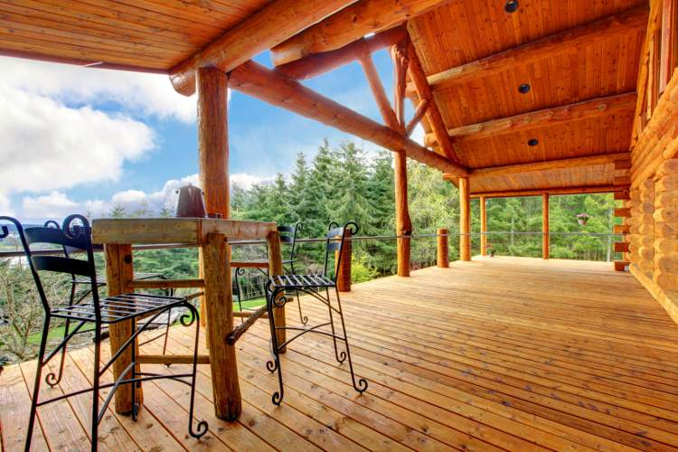 Produit d'entretien pour terrasse en bois