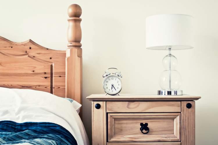 Teinture pour bois et meuble