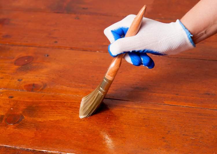 Vernis bois pour meuble et parquet